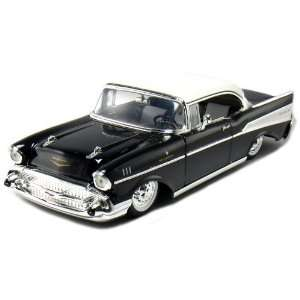 1957 Chevy Bel Air Coupe 2 Door 124 Scale (Black) Toys