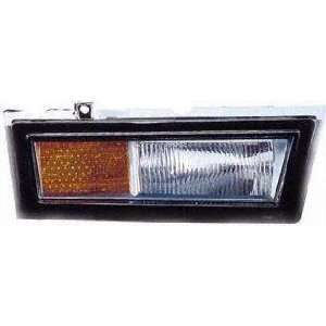 TOWN CAR towncar FRONT SIDE MARKER LIGHT RH (PASSENGER SIDE), On Lower